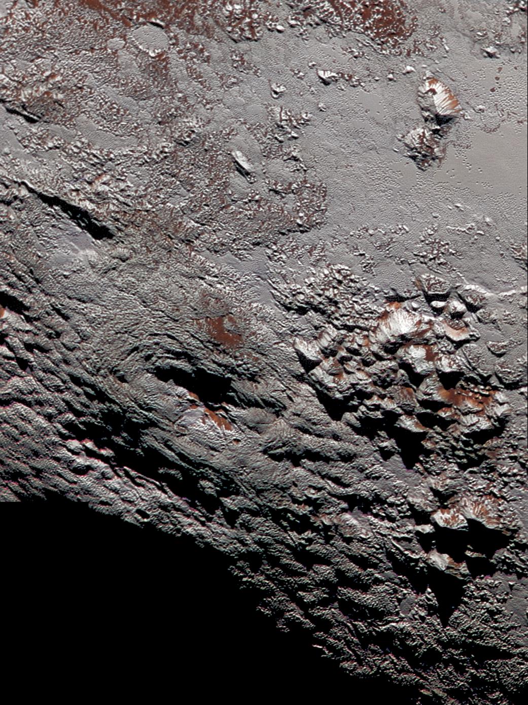 2016.01.15:冥王星のライト山地のカラー画像