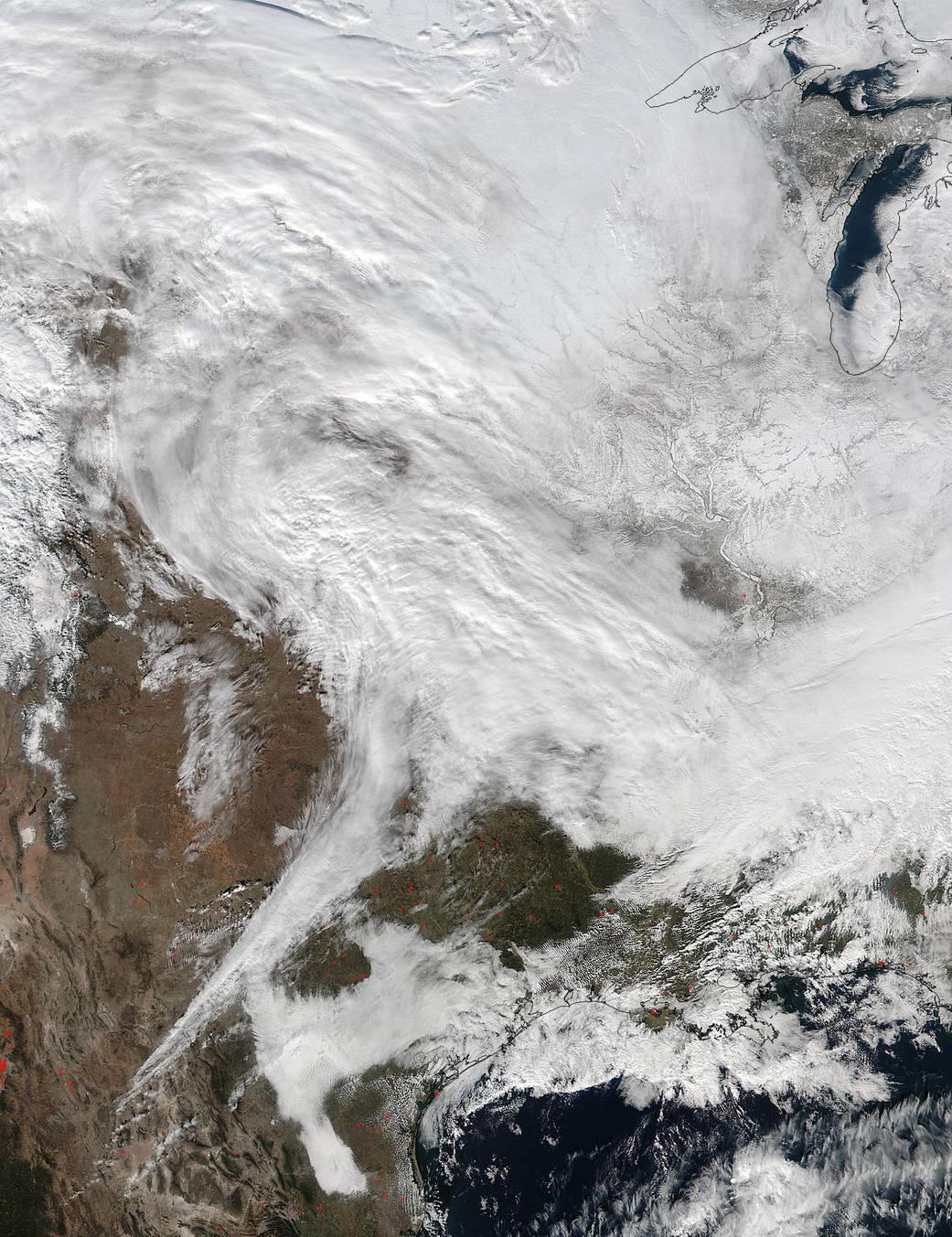 2016.1.22:アメリカ東部を襲う冬の嵐の先端部