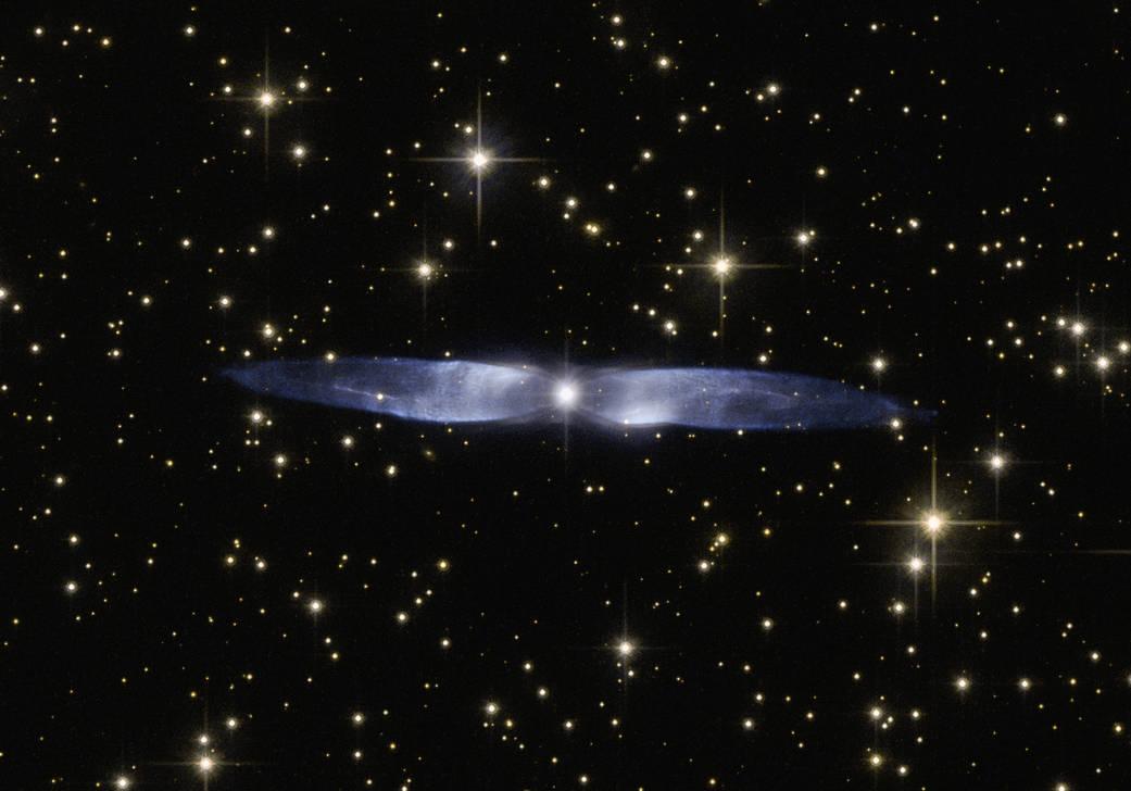 2016.2.13:ハッブル宇宙望遠鏡が見た青い氷の翼
