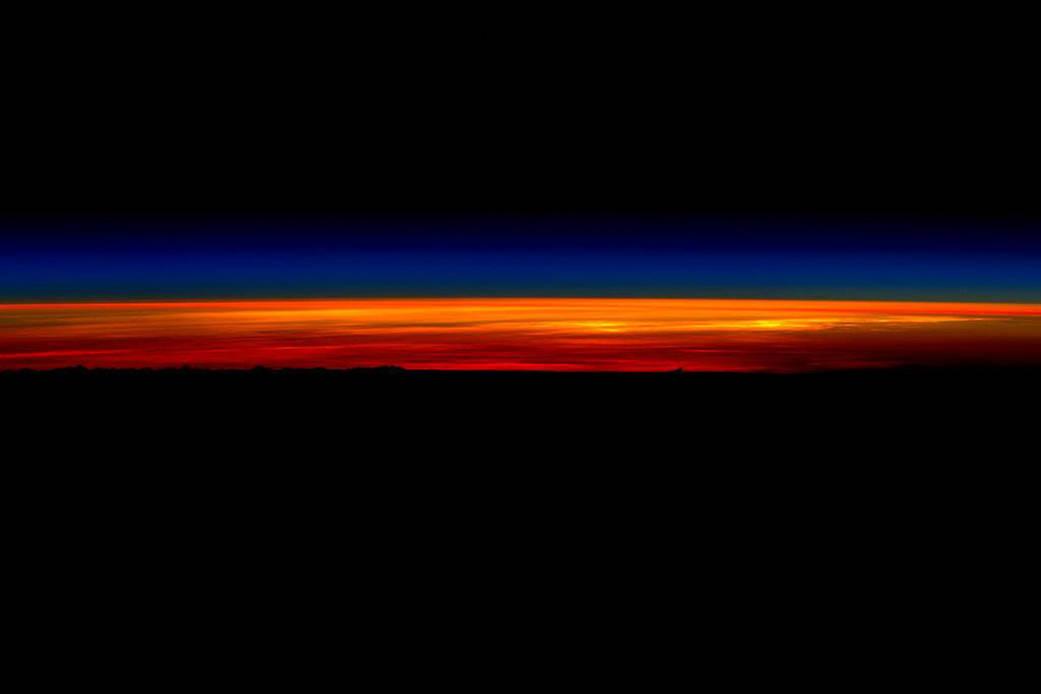 2016.3.1:宇宙で見る最後の日の出