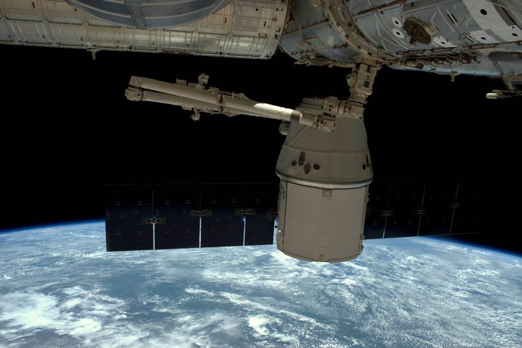 2016.05.12:宇宙ステーションから貨物船切り離し