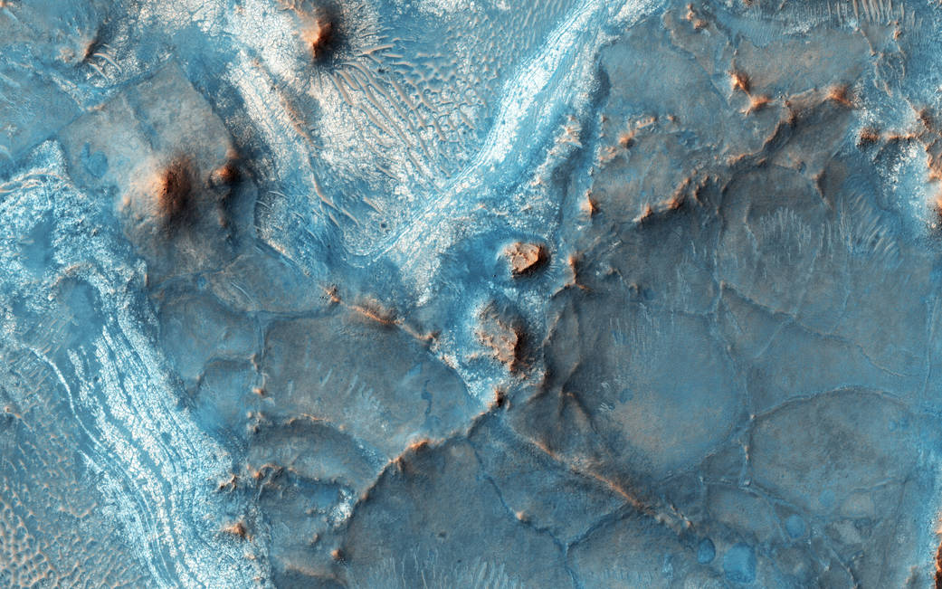 2016.05.05:火星のカラフルな地質の秘密とは?