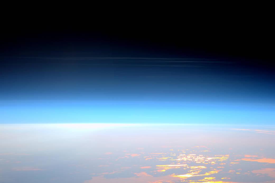 2016.06.07:夜に輝く珍しい雲