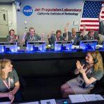 2016.07.06:木星軌道投入成功の喜びに沸く管制室