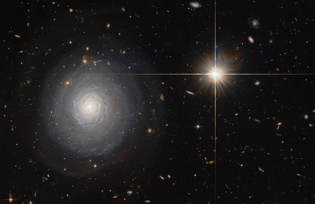2016.07.15:ハッブル宇宙望遠鏡がとらえたスターバースト銀河