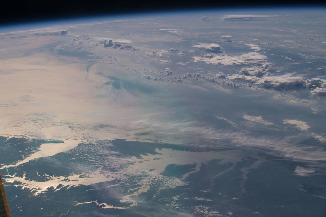 2016.07.30:宇宙ステーションにいるジェフがパノラマ動画に夢中