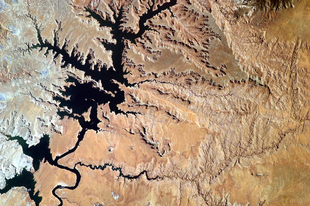 2016.08.17:宇宙ステーションのアースカムで撮影したパウエル湖