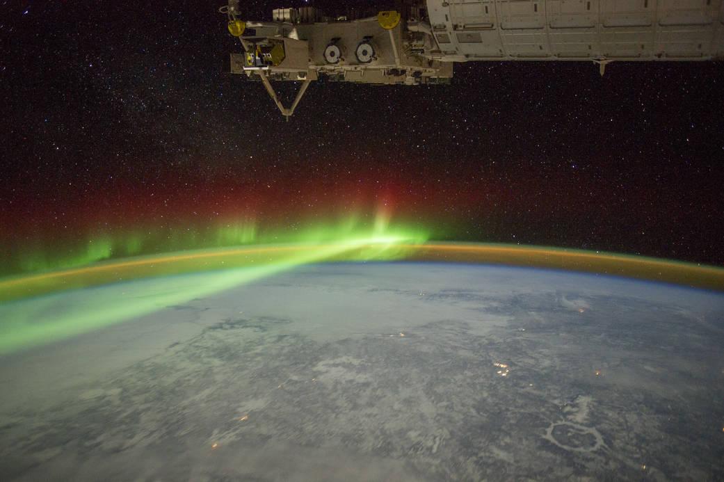 2016.08.09:オーロラとクレーター