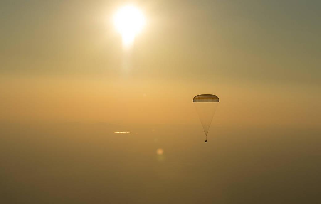 2016.09.08:第48次長期滞在クルーが地球に帰還