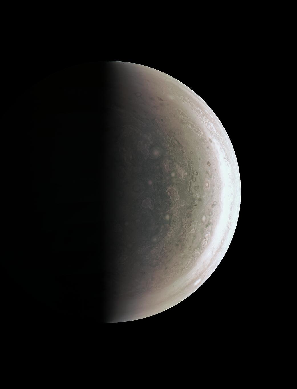 2016.09.03:木星の北極を真上からみる!