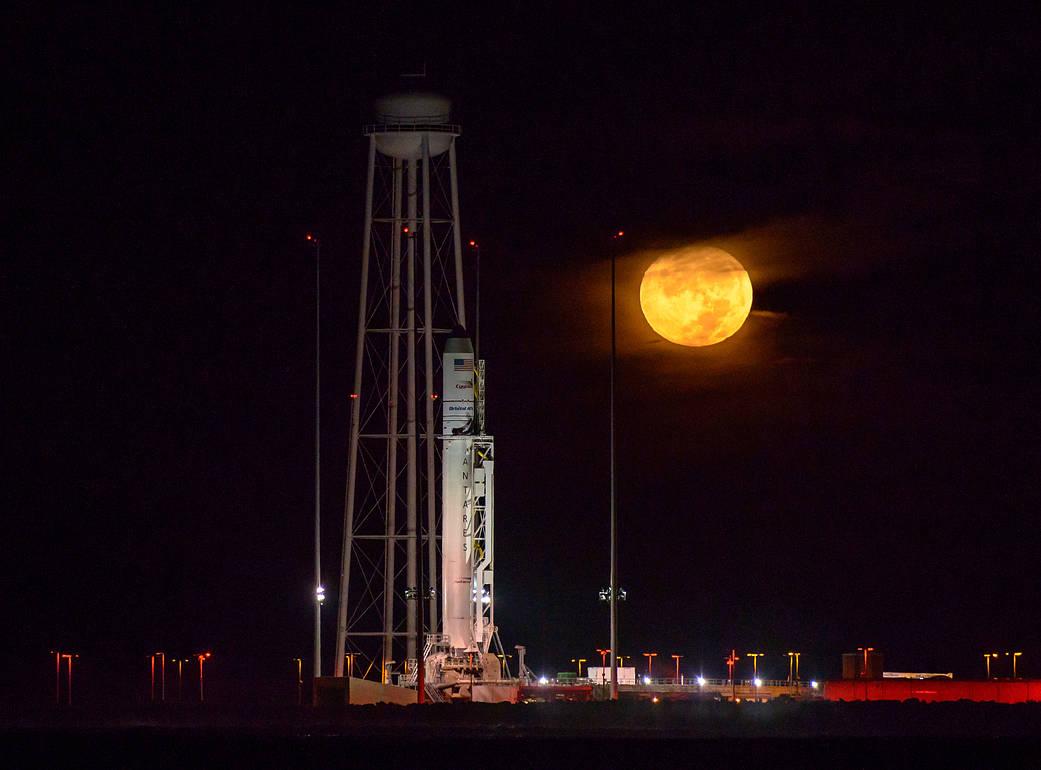 2016.10.18:アンタレスロケットいよいよ打ち上げ