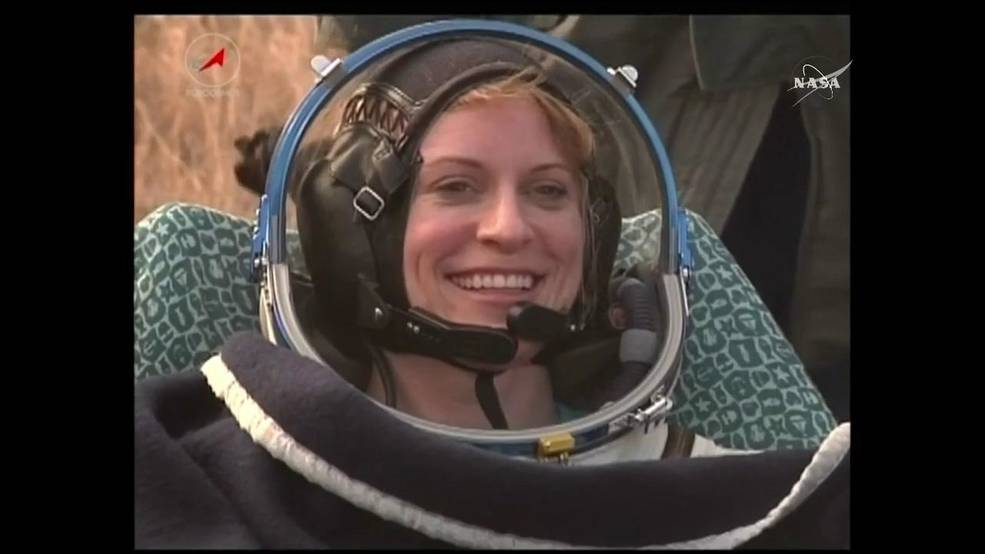 snaps_rubins-landed-2-about-exp-49-landing-on-nasa-tv-public-_1w