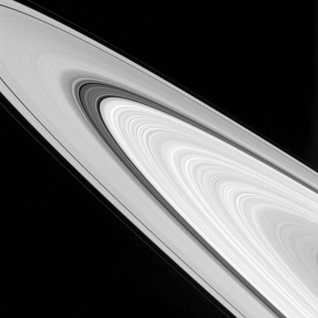 2016.11.08:詳細な土星の環