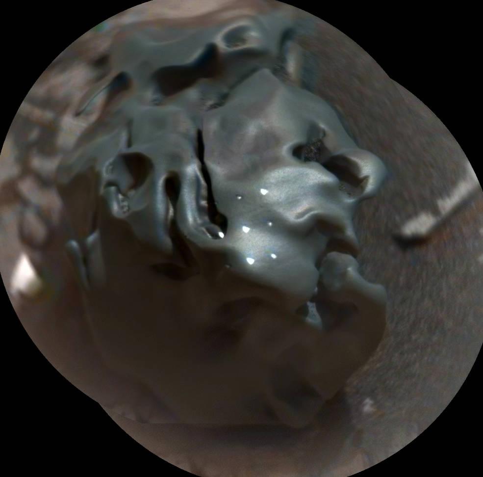 2016.11.03:何だコレ!火星地表で奇妙な物体を発見!