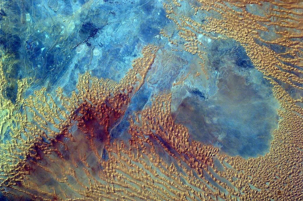 2016.12.07:中学生が宇宙から撮影したサハラ砂漠