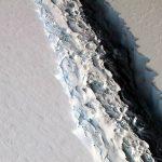 2016.12.02:南極の棚氷に巨大な亀裂