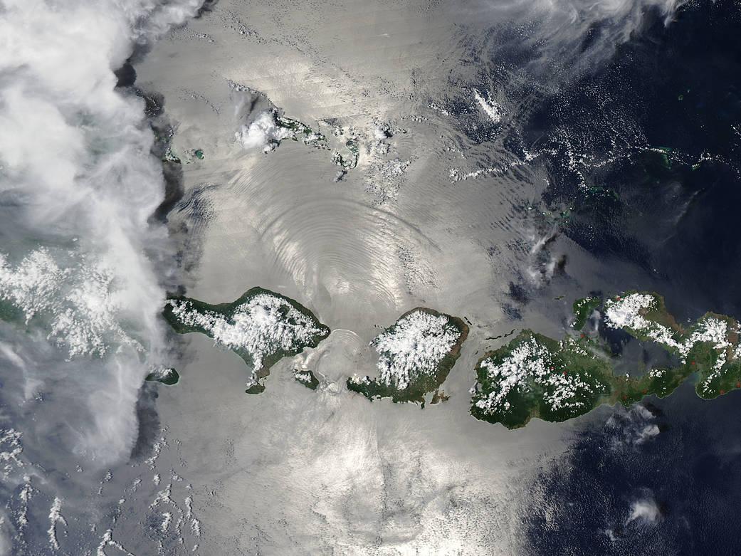 2016.12.07:ロンボク海峡で発生している内部波