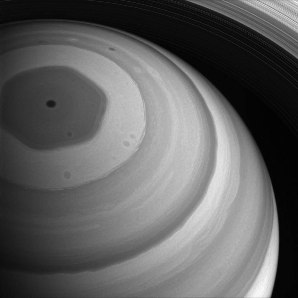 2016.12.29:鮮明に見ることができた土星の北極