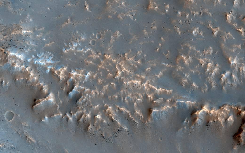 2017.01.13:火星の地表に見る衝突の痕跡