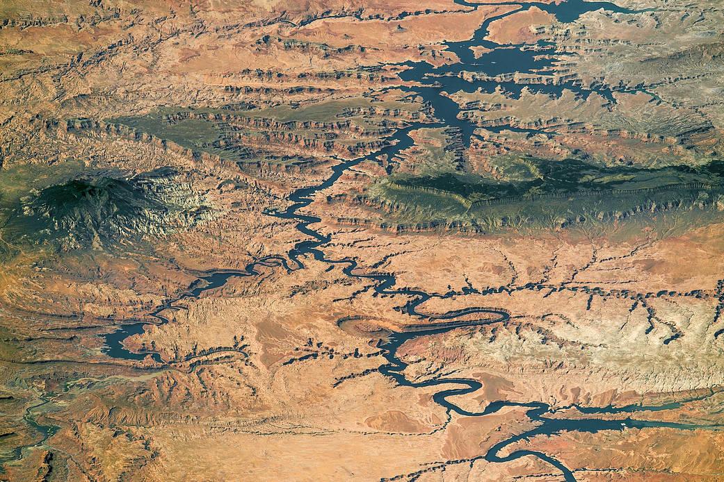 2017.02.02:パウエル湖と階段状に流れるエスカランテ川