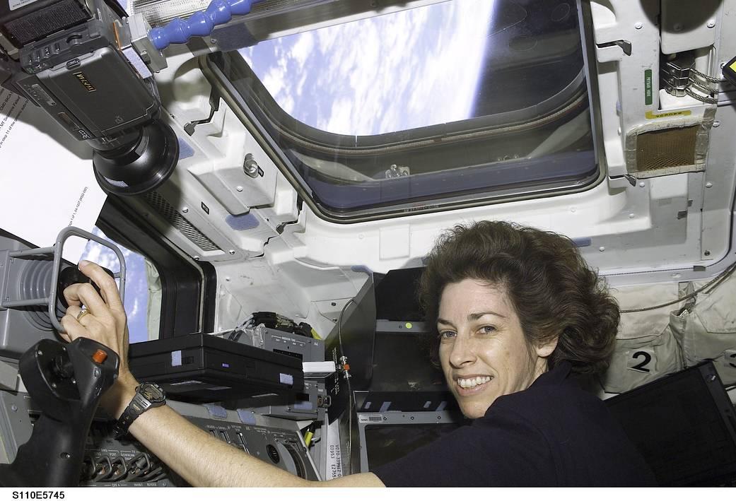 2017.03.24:初のヒスパニック系女性宇宙飛行士(15年前の写真)
