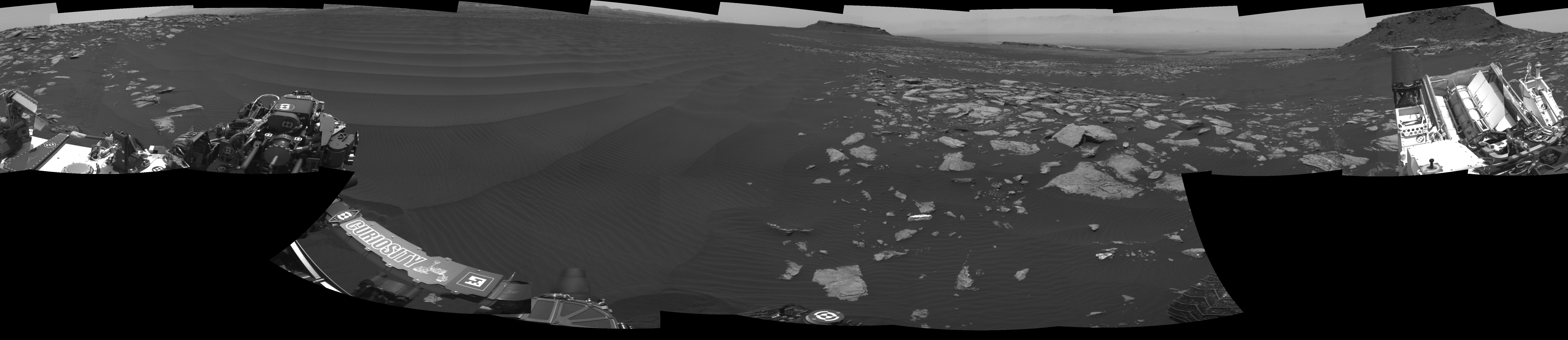 2017.03.02:火星の砂丘地帯の360度パノラマ画像