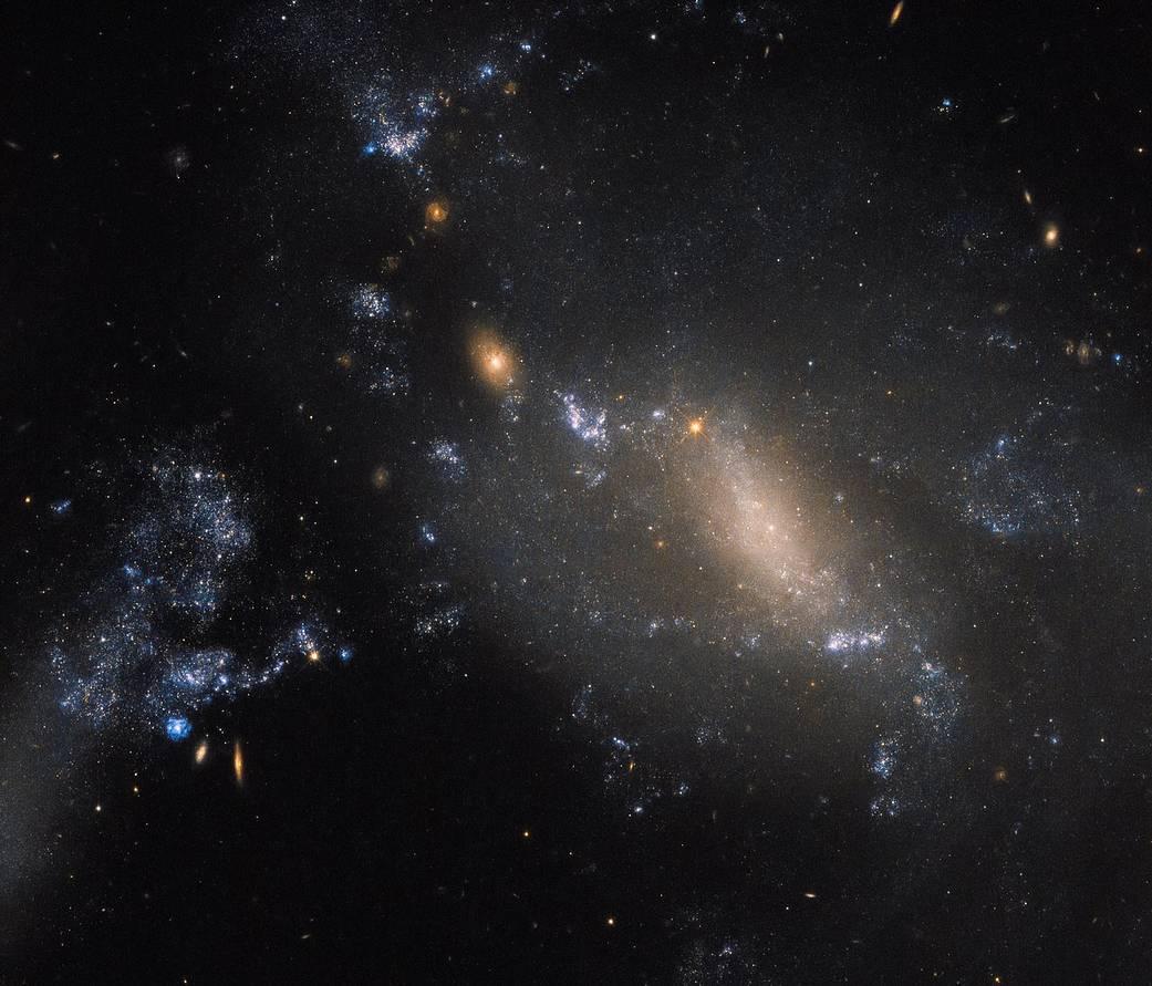 2017.03.25:しし座にある2つの銀河