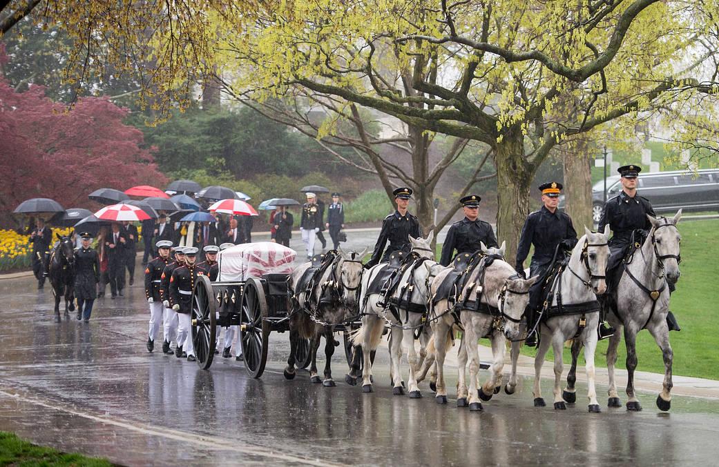 2017.04.08:アーリントン国立墓地に埋葬されるジョン・グレン