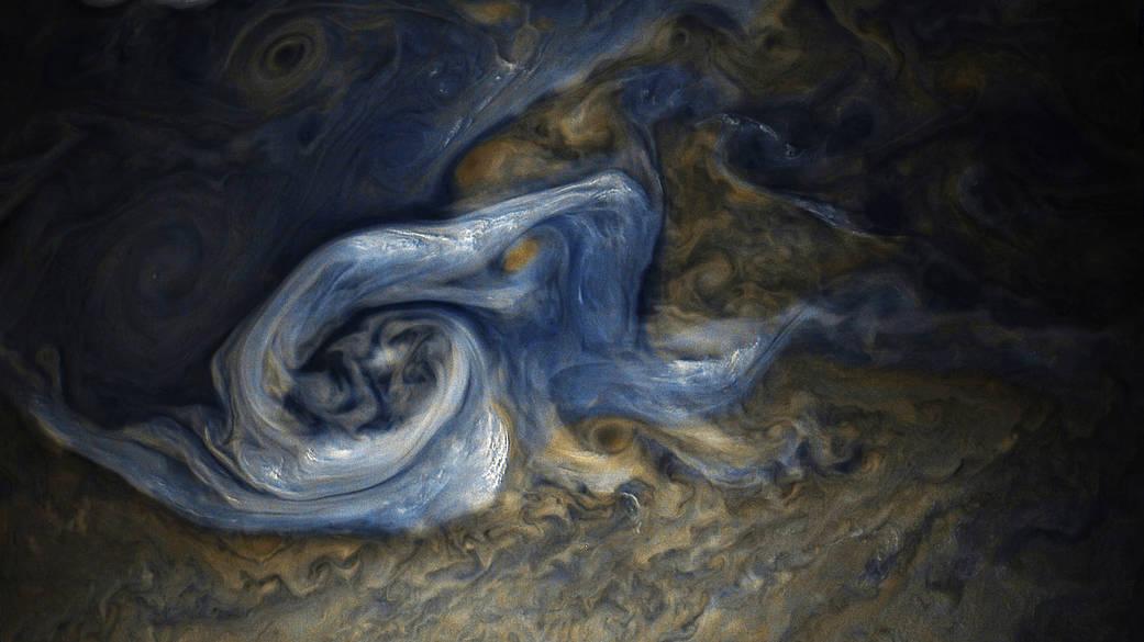 2017.11.17:木星大気の嵐の最新画像公開